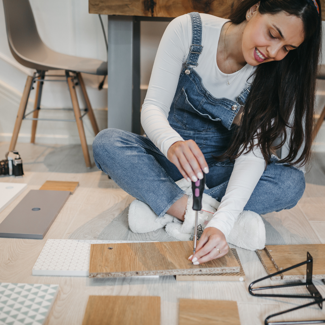 Mixing DIY With Contract Work: How to Save Money on A Renovation
